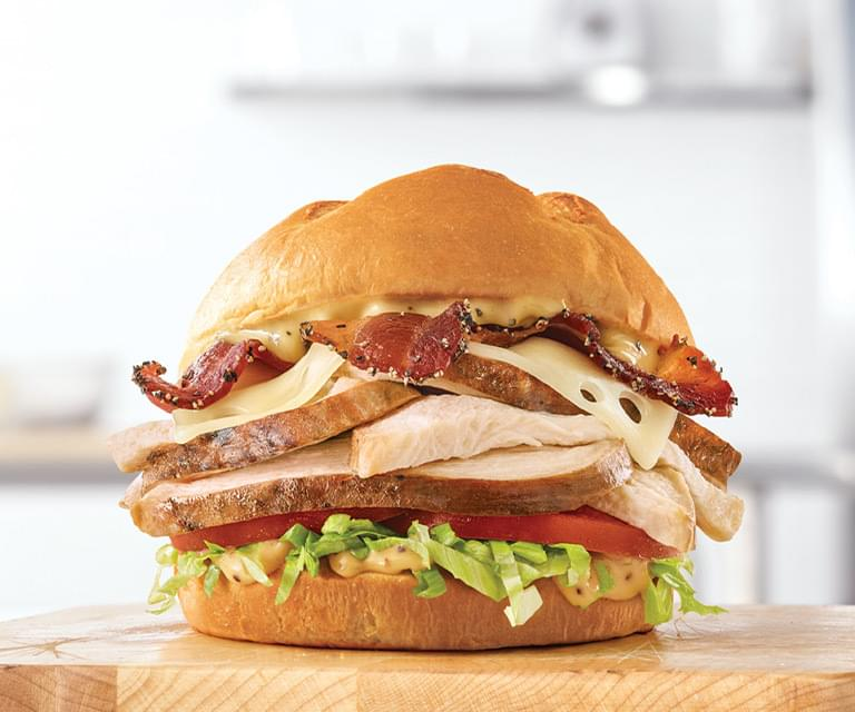 Arby's Roast Chicken Bacon Swiss Sandwich Nutrition Facts